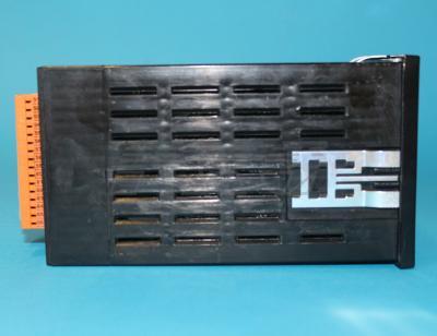 ПИД-регулятор МИК-121 вид сбоку