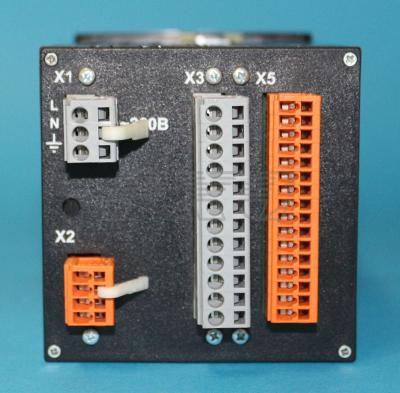 ПИД-регулятор МИК-121 вид сзади